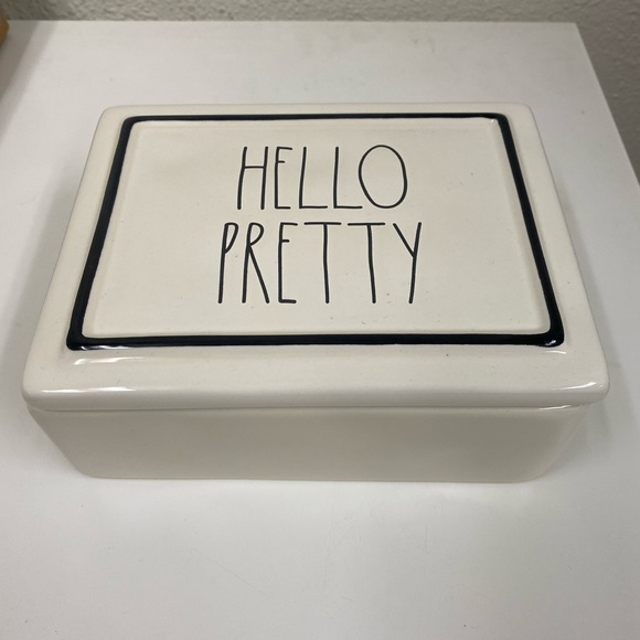 Rae Dunn jewelry holder that says hello pretty